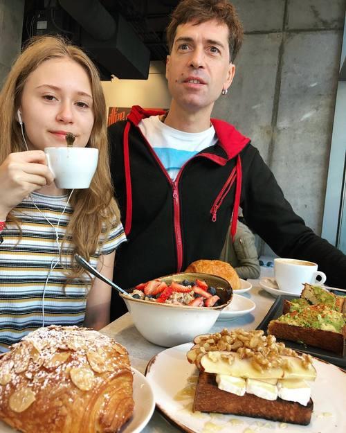 """""""Она очень устает и скучает"""", дочь Макса Покровского недовольна учебой в Америке"""