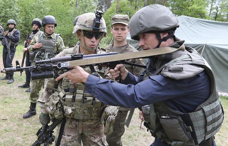 Разведка ДНР узнала о прибытии инструкторов из США для проверки армии Украины