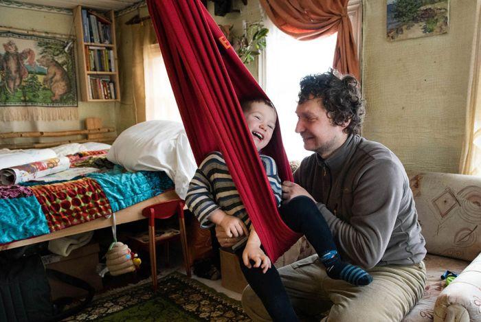 Жизнь российских дауншифтеров на острове в Рыбинском водохранилище