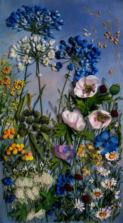 Очень красивая вышивка «Цветочные поляны»