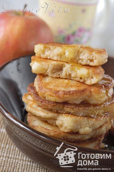 Быстрые оладушки к завтраку (без яиц) фото к рецепту 3