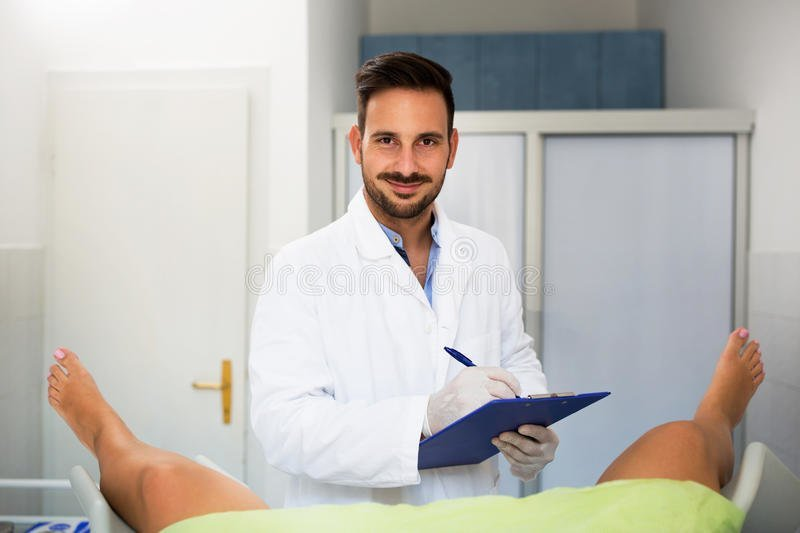 Келли трамп у гинеколога онлайн