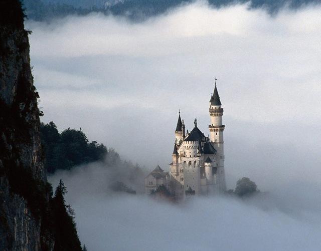МЕСТА ДАЛЁКИЕ И БЛИЗКИЕ. Самые красивые замки мира