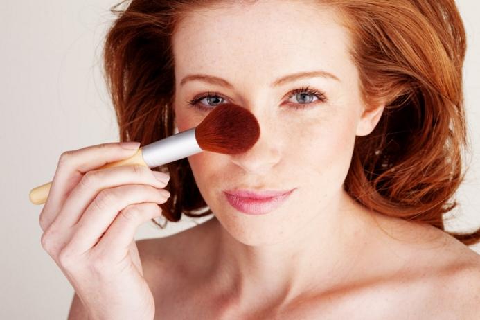Как скорректировать недостатки с помощью макияжа