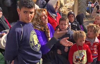 Российские военные доставили гумпомощь в провинцию Алеппо