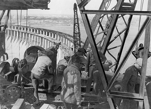 СССР в 1930-е обеспечил миру промышленный рост