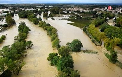 Франция переживает сильнейшее наводнение: погибли 13 человек