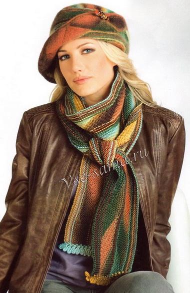 Фетровая шляпа и шарф из тре…