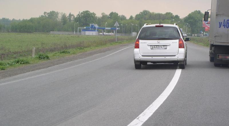 Почти 25% российских автомобилистов ежедневно выезжают на «встречку»