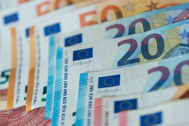 В Краснодаре задержана женщина, печатавшая евро на принтере