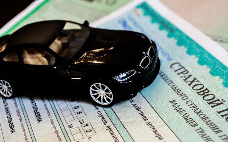 Страховая компания требует от невиновного в ДТП водителя оплатить лечение пешехода
