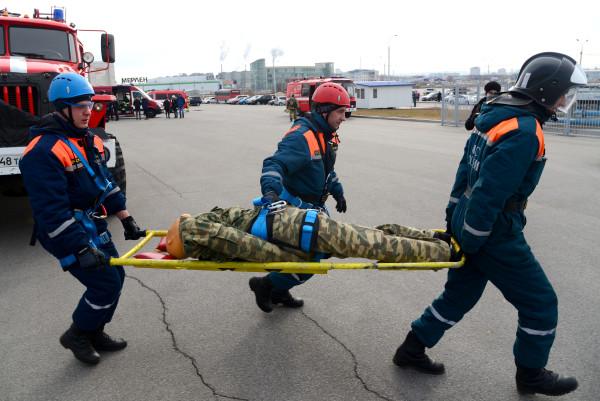 Эвакуировать будем избранных: МЧС спрогнозировало наиболее вероятные сценарии войны с Россией