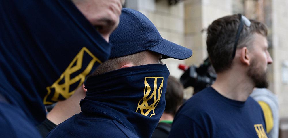 С раннего детства: как на Украине хотят вырастить поколение националистов