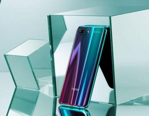 Представлен мощный смартфон Huawei Honor 10 GT