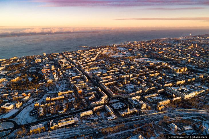 Столица Карелии и город среди озёр