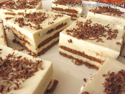 Творожный торт из печенья без выпечки с бананом