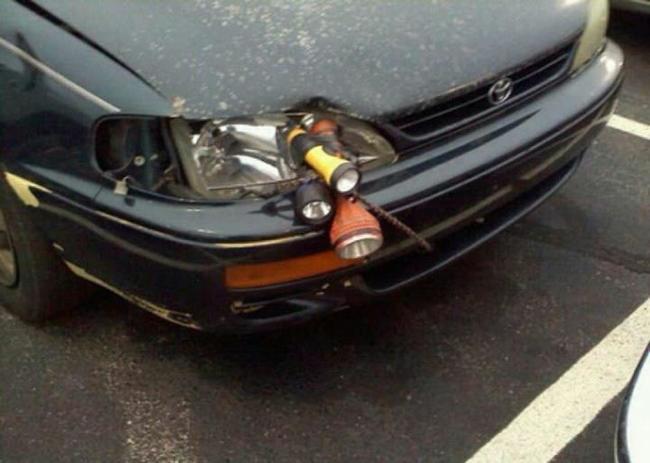 12. Если все же беспокоитесь за безопасность, то просто привяжите несколько фонариков  авто, прикол, ремонт