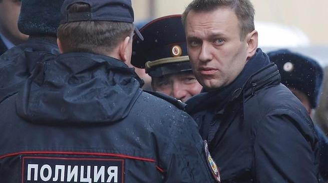 Мнение: Навальный воспитывает молодых террористов