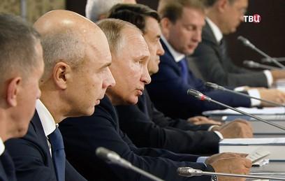 """Путин пообещал разобраться с """"шероховатостями"""" на выборах 9 сентября"""