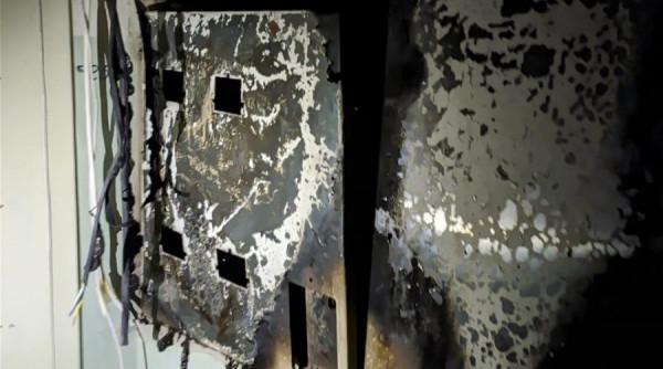 В Алуште загорелся многоквар…