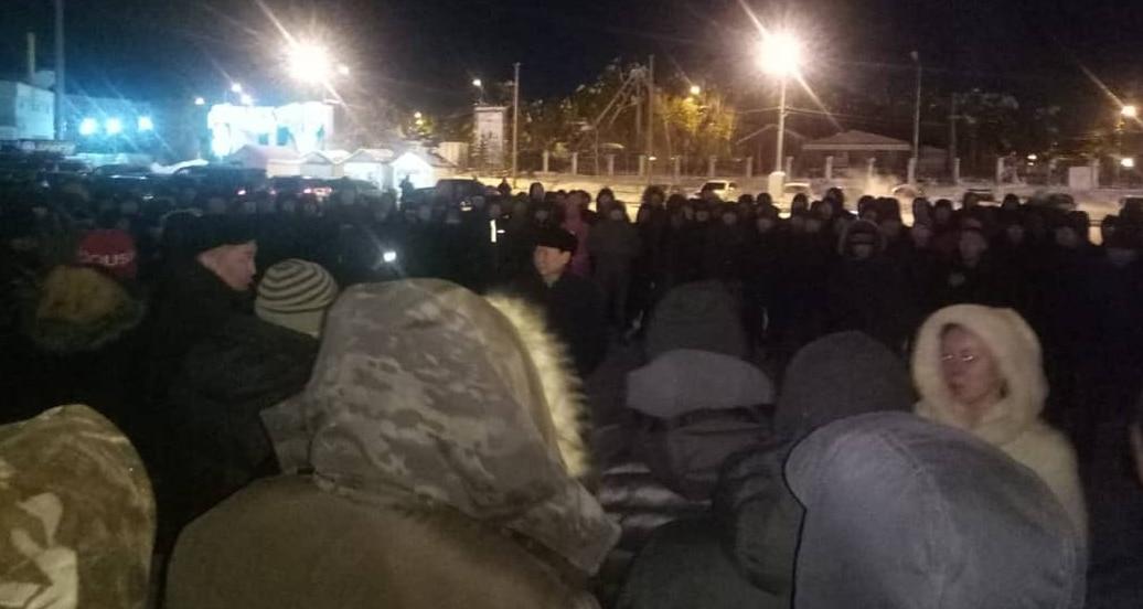 После изнасилования женщины мигрантами у жителей Якутска «лопнуло терпение» и начался многотысячный стихийный митинг