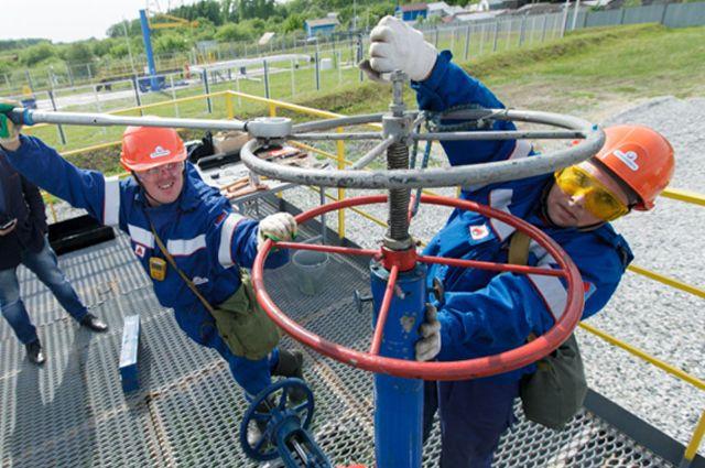 Экспортная пошлина на нефть будет отменена к 2025 году - Медведев