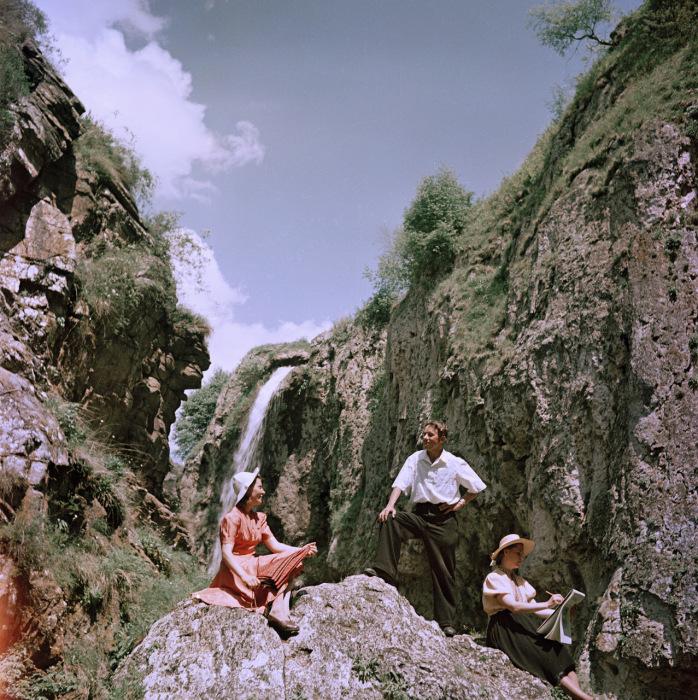 Отдых в горах в окрестностях Кисловодска. Кисловодск, 1950-е годы. Фото: Semyon Osipovich Friedland.