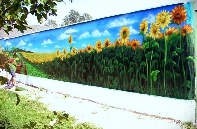 Подборку хочется начать с настоящих произведений искусства! Радость, дом, забор, прикол, строительство, цвет, юмор