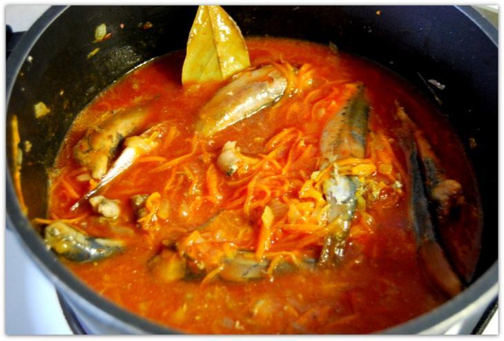Домашняя килька в томатном соусе на зиму