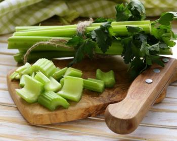 Сельдерей – это такой овощ, где съедобны и вершки, и корешки...