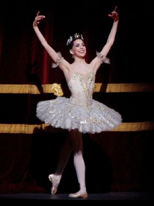 От длинной юбки до «облачка из газа»: как укорачивалась балетная пачка