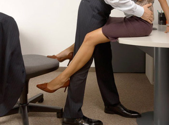 Устроилась в нашу фирму секретарша по имени Оля.... И вот что из этого вышло...