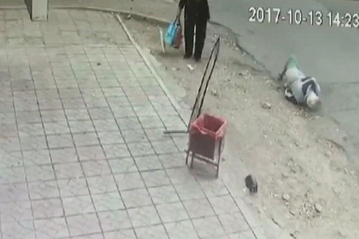 Пьяный водитель сбил пенсионерку в Астрахани и скрылся с места