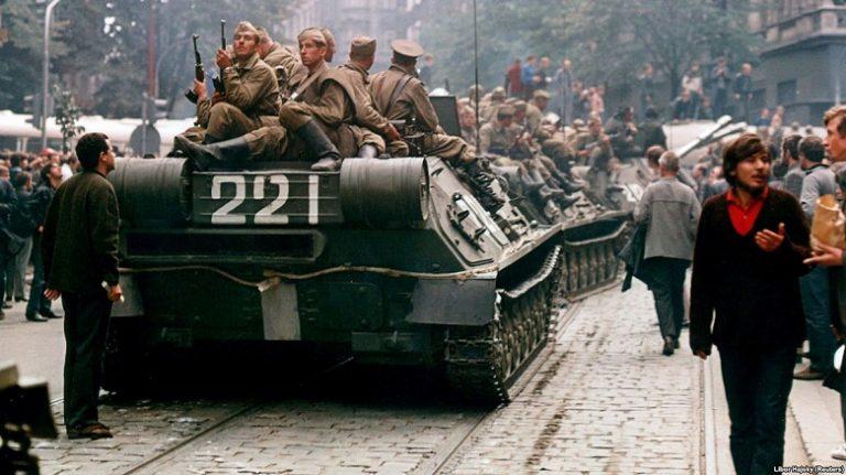 Должна ли Россия извиняться перед чехами и словаками