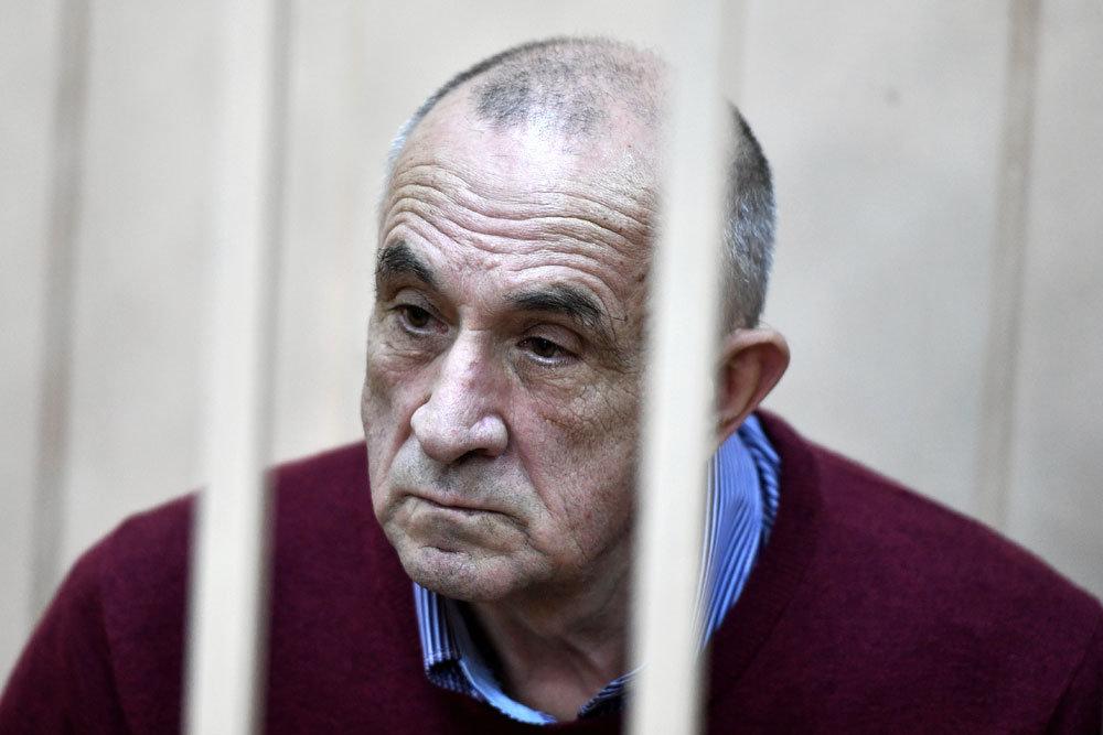 Домашний арест экс-главы Удмуртии продлен до 4 октября