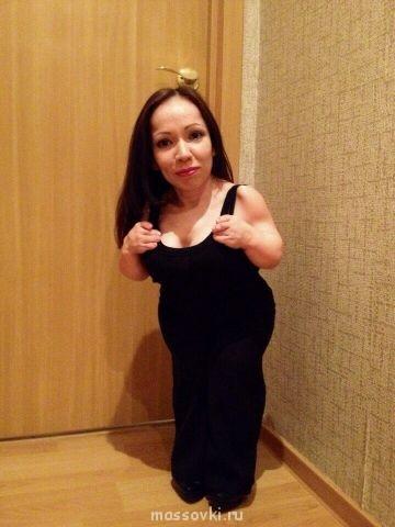 Модель-карлик обвинила Баскова в дискриминации низкорослых женщин