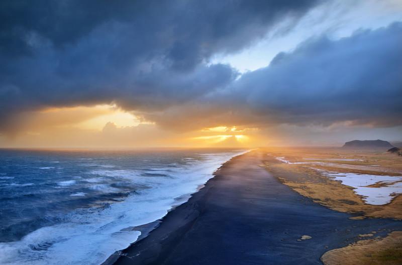Черный пляж Рейнисфияра в Исландии в мире, красота, пейзажи, планета
