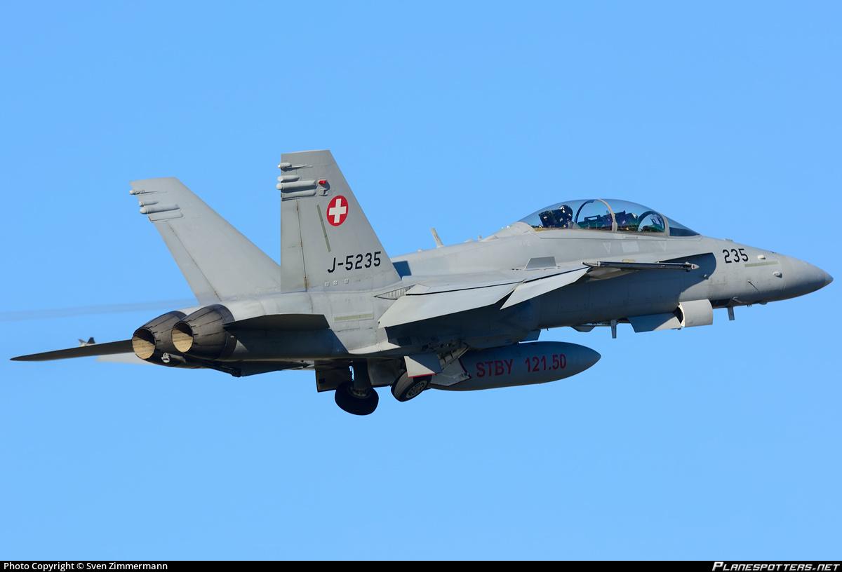 Летчик разбившегося швейцарского истребителя F/A-18 из пострадавшего стал подозреваемым
