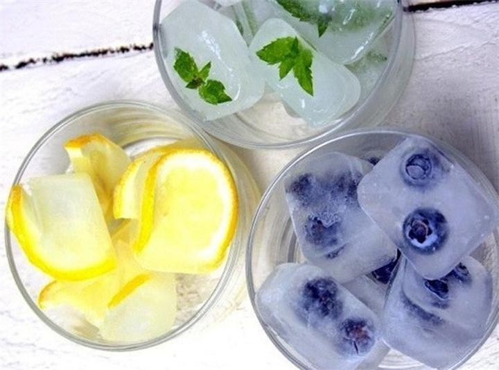 8 рецептов вкусных ледяных кубиков на все случаи жизни