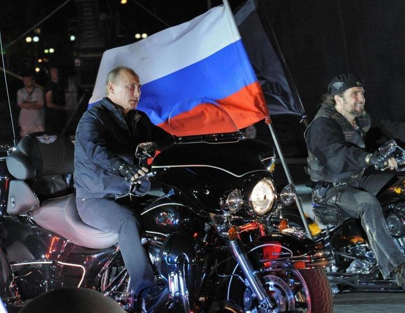 «Лучшие моменты Путина» пустили в тираж
