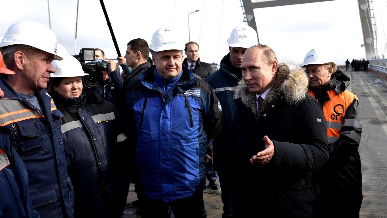 Триумф Путина и досрочное открытие Крымского моста предсказуемо разъярили Киев