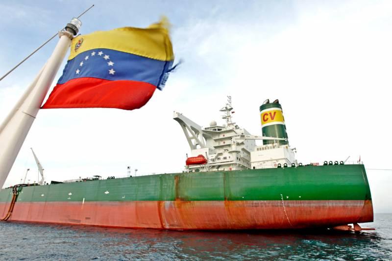 Венесуэльский провал США: американцы вынуждены закупать нефть в России