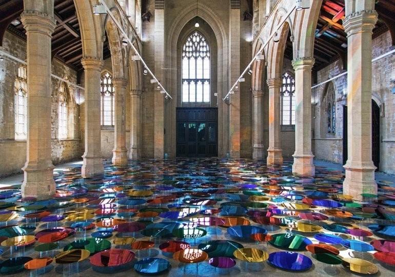 Искусство в заброшенной церкви