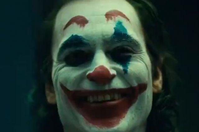 Хоакин Феникс впервые предстал на видео в образе Джокера