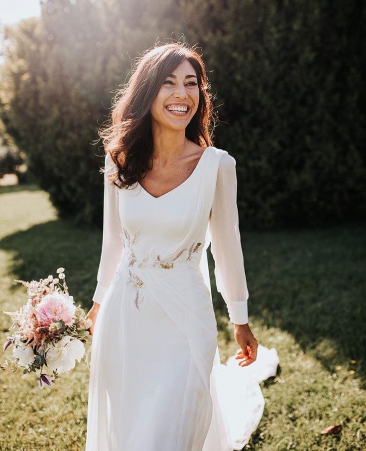 Свадебное платье с изящной вышивкой (DIY)