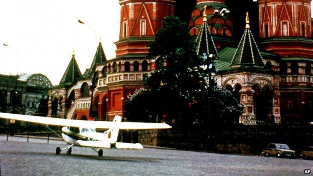 """Как после полета Матиаса Руста на Красную площадь """"чистили"""" советскую армию"""