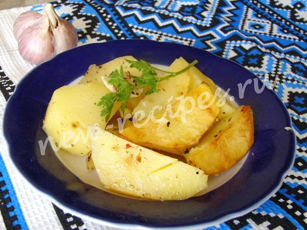 Картошка по-деревенски в мультиварке