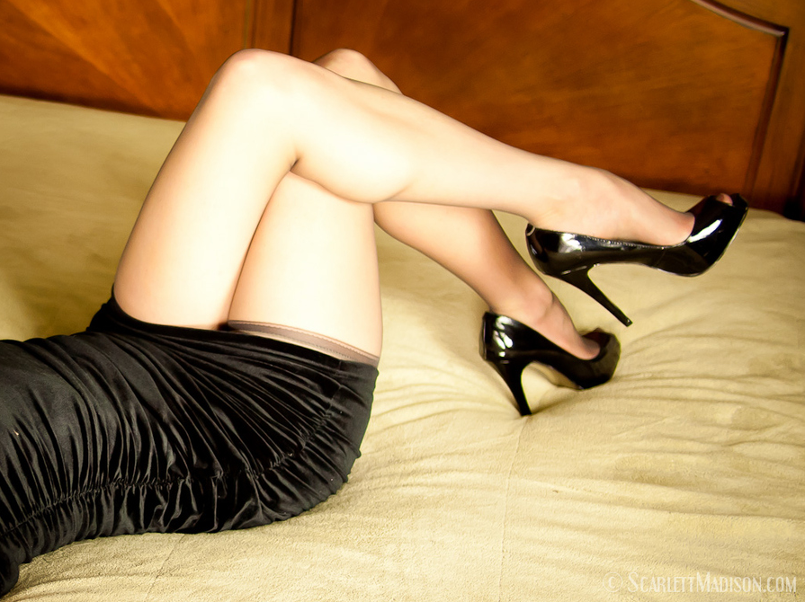 Фото в туфлях и в чулках