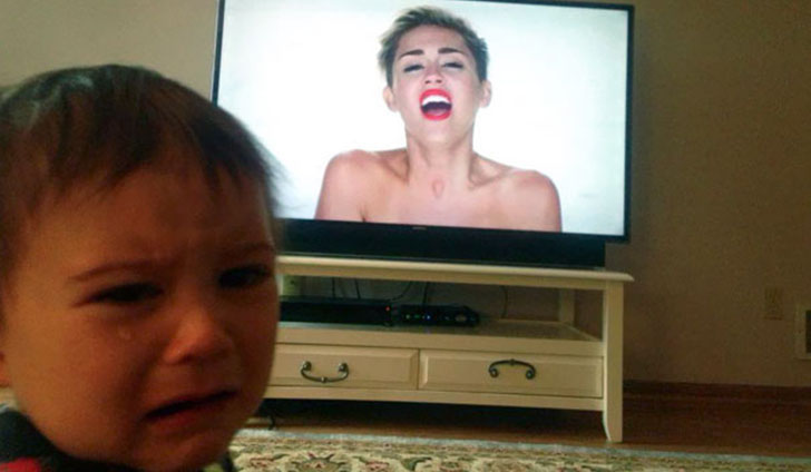 Птичку жалко: самые дурацкие причины детских слез
