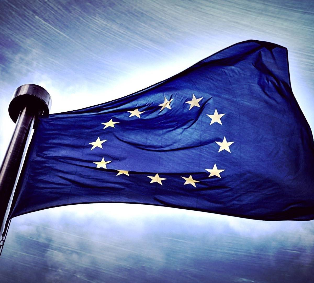 """Европу штормит: ЕС """"штурмует"""" Россия, а добивает США"""